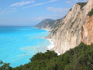 Lefkas informatie en uitzicht op de turquoise zee